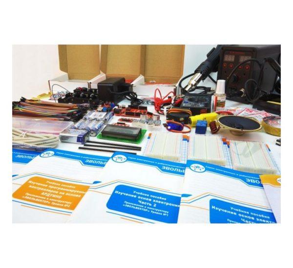 Образовательный набор для изучения управляющей электроники учебных промышленных роботов вид 5